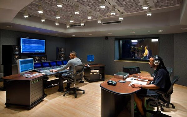 Multimedia Center (3)